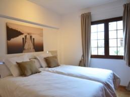 Calma Suites Agulo La Gomera - Bedroom with ocean views