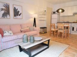 Calma Suites salón y cocina